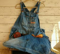 Check out this item in my Etsy shop https://www.etsy.com/listing/465828646/1950s-big-mac-overalls-retro-farmer