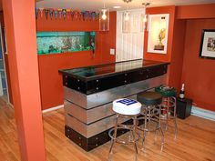 YET ANOTHER GARAGE BAR IDEA. THINK IT TELLS YOU HOW TO MAKE THE BAR. WE CAN'T ALL COPY RICK!