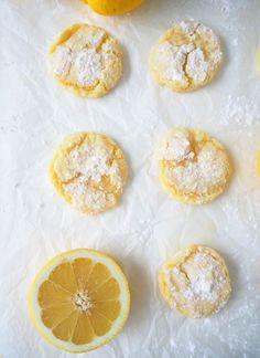 Sitruunakeksit – mikroleivontaa – Dr. Sugar | Meillä kotona Something Sweet, Doughnut, Sweets, Sugar, Cookies, Baking, Desserts, Recipes, Sweet Treats