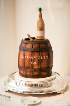 Grooms Lagavulin 16 whisky barrel cake Whiskey Barrel Cake, Birthday Cakes For Men, Atlanta Wedding, Custom Cakes, Wedding Shoot, Grooms, Whisky, Wedding Cakes, Food And Drink