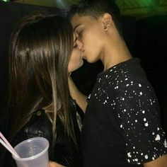 OMG This picture is so hot. This girl is getting ready to taste this incredibly cute boys mouth. Relationship Goals Pictures, Couple Relationship, Cute Relationships, Boyfriend Goals, Future Boyfriend, Boyfriend Girlfriend, Tumblr Couples, Teen Couples, Photos Amoureux