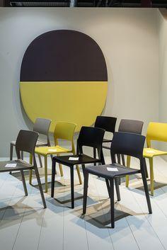 Arper Milano Salone del Mobile  2015/ Work Place 3.0 – Salone Ufficio  // Juno chairs + Parentesit wall panel