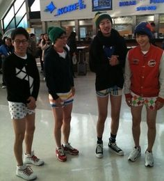 lolz the hot pants punishment XD    Suk Jin, Jae Suk, Gwang Soo, and Joong Ki on Running Man!