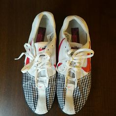 NIKE Track Shoes Houndstooth, Pink, and White 8.5 Shoes, barely used, excellent condition Nike Shoes Sneakers