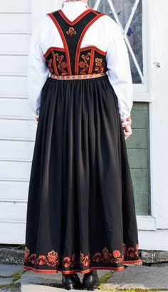 Folk Costume, Costumes, Finger Weaving, Traditional Outfits, Scandinavian, Mac, Vest, Skirts, Clothes