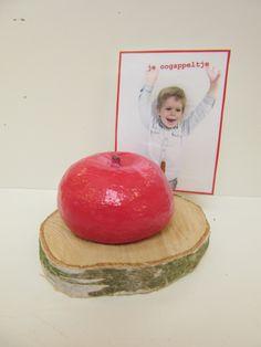 Appel maken in zoutdeeg voor Vaderdag Tea Lights, Candles, School, Tea Light Candles, Candy, Candle Sticks, Candle
