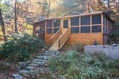 Cabin in HINTON, United States. This listing is for the whole house. This is NOT a shared space. You get the whole house to yourself.  Weekends (Friday & Saturday nights or Saturday & Sunday nights) require a 2 night stay unless there is only one night available for the weekend ...