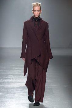 Sfilata Aganovich Parigi - Collezioni Primavera Estate 2016 - Vogue