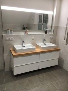 Bad Room Design, Laundry Room Design, Bedroom Inspiration Cozy, Small Hall, Historic Homes For Sale, Modern Courtyard, White Bathroom, New Homes, Tiny House