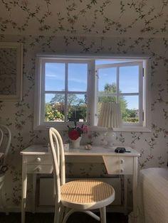 Pretty Room, Dream Apartment, Aesthetic Bedroom, 90s Aesthetic, Dream Rooms, My New Room, Bedroom Decor, House Design, Interior Design