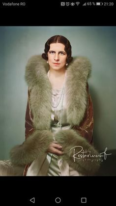 Regina mamă Elena Fur Coat, Jackets, Fashion, Down Jackets, Moda, Fashion Styles, Fashion Illustrations, Fur Coats, Fur Collar Coat