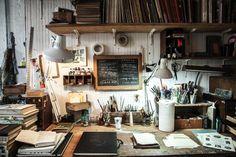 Illustrator Oliver Jeffers' desk