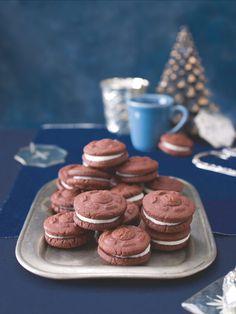 Sušenky Oreo patří v USA k nejprodávanějším sladkostem. Zkuste jejich domácí verzi bez zbytečných přídatných látek. Oreos, Cookies, Usa, Food, Biscuits, Meal, Essen, Hoods, Cookie Recipes