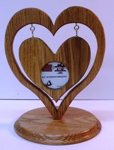 Heart in Heart Picture Frame + Bandsaw Circle Jig Plan - Holzarbeiten Bandsaw Projects, Woodworking Projects Diy, Diy Wood Projects, Wood Crafts, Wooden Hearts Crafts, Diy Crafts, Wooden Gifts, Wooden Art, Bois Diy