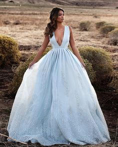 Beautiful wedding dress | itakeyou.co.uk #wedding #weddingdress #weddingdresses #weddinggown #beautifulgown
