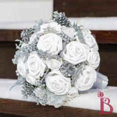 Winter wonderland bouquet silver glitter and white artificial roses #thebridalflower #wedding #winterwedding #winterwonderland #bouquet
