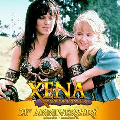 Sept 4, Sins of the Past. Esattamente 21 anni fa, queste due donne si incontrarono e diedero inizio a un qualcosa di indescrivibile. Iniziava il loro viaggio, un viaggio che ci ha coinvolti tutti e che, fidatevi, dopo aver incontrato, abbracciato e scherzato con Lucy Lawless in questi giorni, non si concluderà mai.  Buon compleanno Xena! <3 1995/2016