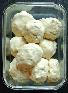Thermomix pizza dough - Thermomix - Freezing pizza dough – basic recipe You are in the right place about pizza dip Here we offer you - Kombucha, Thermomix Pizza Dough, Italian Pastries, Pizza Logo, Frozen Pizza, How To Make Pizza, Italian Cookies, Punch Recipes, Pizza Hut