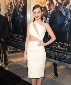 Lily Collins Is Blowing Us Away In This Cushnie Et Ochs Dress #refinery29 ... so pretty