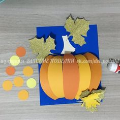 Нет описания фото. Halloween Art Projects, Halloween Crafts For Kids, Projects For Kids, Kids Crafts, Diy And Crafts, Arts And Crafts, Paper Crafts, Black Construction Paper, Autumn Crafts