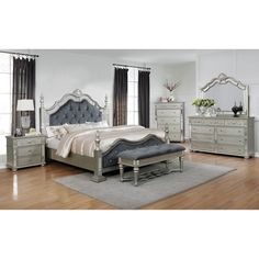 Wonderful Stylish Bedroom Bench to Keep Your Bedroom Orderly and Neat King Bedroom Sets, Queen Bedroom, Queen Headboard, Headboard And Footboard, Bedroom Furniture Sets, Furniture For You, Bedroom Ideas, Glam Bedroom, Furniture Nyc
