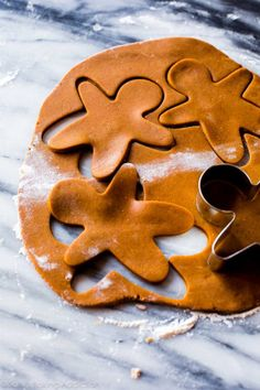 This is the best recipe for gingerbread men! Easy to mix together taste unbelievable and fun to decorate! Gingerbread cookie recipe on sallysbakingaddic Best Gingerbread Cookies, Christmas Sugar Cookies, Holiday Cookies, Gingerbread Men, Gingerbread Recipes, Ginger Bread Cookies Recipe, Cookie Recipes, Christmas Cooking, Christmas Desserts