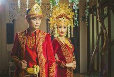 Gemerlap Kilau Emas Dalam Baju Adat Palembang