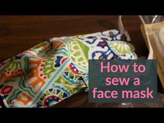 12 simple steps to make a fabric mask to protect from the coronavirus: See the video Face Scrub Homemade, Homemade Face Masks, Diy Mask, Diy Face Mask, Sewing Crafts, Sewing Projects, Sewing Hacks, Sewing Ideas, Sewing Patterns