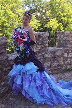 Purple Wedding Gown, Worst Wedding Dress, Rainbow Wedding Dress, Wedding Bridesmaid Dresses, The Knot, Gothic Wedding, Witch Wedding, Geek Wedding, Medieval Wedding
