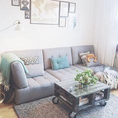 Tisdagsinspiration från @min42a med vår soffa Reiko. En modulsoffa som finns i flera olika utföranden och färger. Välkomna till våra butiker i Skrapan & Täby C så berättar vi gärna mer! #habitatsverige #regram