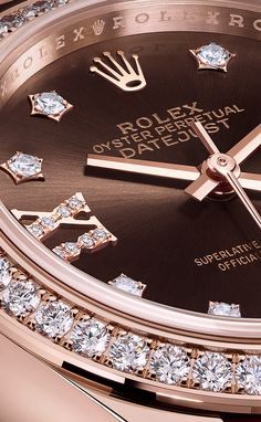 The Rolex Lady-Datejust 28. #RolexOfficial