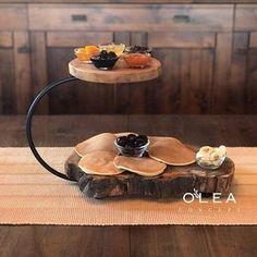 İyi bayramlar İki katlı sunum kütüğü sınırlı sayıda tekrar stoğa girmiştir. . #wood #decoration #dekorasyon #sunum #sunumfikirleri #sunumkütüğü #kütük #ağaç #ahşap #tasarım #oleaconcept