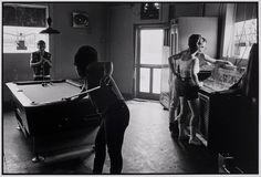 Danny Lyon - New York Eddie's, Chicago (1966)