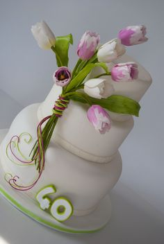 <3 Love this cake -- she loves tulips