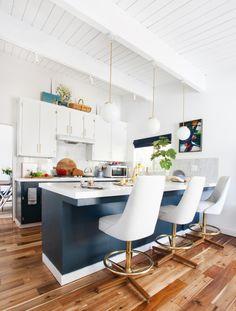 Wonderful White Kitchens + How To Decorate them so they're anything but VANILLA! White Kitchen Round-up @ www.jennaburger.com