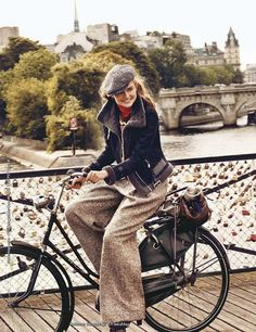 Wide-legged tweed, perfect for autumn riding. #bikelove