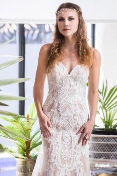 Natural, bohemian beauty makeup and hair #THEGCBL #Weddingdress