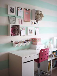 #KidsDeskGoals! Using IKEA kitchen storage and desk to create a perfect desk set up. A little girl's pink and mint green bedroom tour. Inspiration and decoration ideas for a perfect room for a four year old girl.