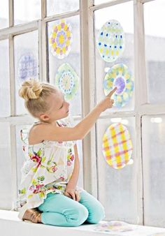 Jump-start your child's creativity with these simple crafts made from all varieties of colorful paper, including Orizomegami.
