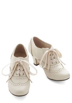 Casual work shoes for women come in a variety of styles & colors at ModCloth. Find business casual heels, flats & more. Browse these shoes & shop today! Moda Lolita, Estilo Lolita, Lolita Fashion, Look Fashion, Fashion Shoes, 1930s Fashion, Mid Heel Shoes, Shoes Heels, Cute Shoes