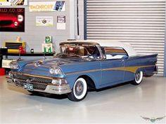 FORD FAIRLANE 500 1958 | 1:18 Diecast Model Car 1:18 Scale Diecast Model Cars
