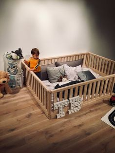 New FULL / DOUBLE Montessori toddler Frame bed Wood Kids Baby bed Nursery bed Platform bed Children furniture, bed frame