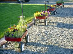 Plant old wagons in a row! More Fabulous Garden #Container Ideas