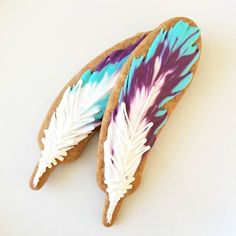 Don't freak out, but these are COOKIES that you eat..if you can. I have eaten MANY of these and not only do they look stunning they taste YUM! Search 'feather cookies' on dtll.com.au or click on the shopable link in our profile #dtll #downthatlittlelane