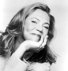 Mary Kathleen Turner better known as Kathleen Turner June - American film / stage actress and director Hollywood Actresses, Actors & Actresses, Kathleen Turner, Romancing The Stone, Cinema, Old Movies, Silver Hair, Beautiful Actresses, Role Models