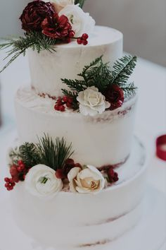 #weddingcake #cakeflowers #holidaywedding #holidaygreens Cake Flowers, Wedding Cakes With Flowers, Wedding Bouquets, Floral Event Design, Floral Cake, Rustic White, Light Photography, Holiday, Vacations