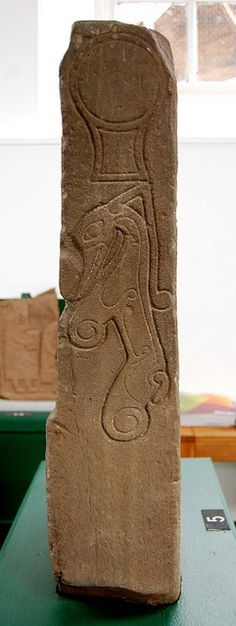A 'Class II Pictish Symbol Stone', located in Meigle Museum, Meigle, Perthshire. Note the mirror/disc at the top. Ancient Aliens, Ancient Art, Ancient History, Statues, Celtic Art, Celtic Dragon, Alexandre Le Grand, Celtic Culture, Historical Artifacts