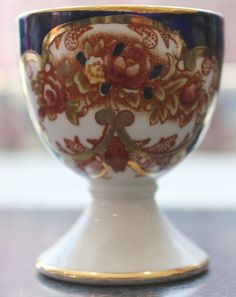 Royal Albert Heirloom Egg Cup, Royal Albert Pedestal Egg Cup