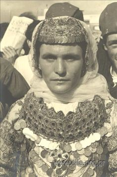 Woman in a bridal traditional costume from Aharnes (Menidi) Αttica Greece. Greek Traditional Dress, Traditional Art, Traditional Outfits, Historical Costume, Historical Photos, Egyptian Women, Retro Pictures, Greek Culture, Europe Fashion