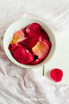Bianca Vaniglia Rossa Cannella: Sciroppo di rose homemade